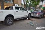 Video: Người dân hợp sức nâng xe cứu người trong vụ tai nạn liên hoàn