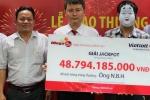 Người đàn ông đến từ TP.HCM nhận giải xổ số Vietlott gần 49 tỷ đồng