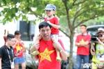 HLV Mai Đức Chung xúc động cảm ơn CĐV Việt Nam
