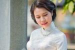 Hoa khôi người Lào đẹp tinh khôi trong tà áo dài trắng