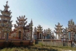 Chuyện 'người chết nuôi người sống' ở thành phố lăng mộ xa hoa bậc nhất Việt Nam