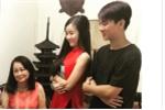 Hoài Lâm đeo nhẫn cưới sang nhà bạn gái chúc Tết