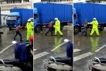 'Ma men' biểu diễn 'xà quyền' khiêu khích CSGT giữa phố