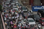 Ảnh: Đường phố Hà Nội ùn tắc ngày đầu sau kỳ nghỉ lễ