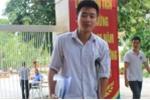 Thí sinh Hà Nội chống nạng đi thi THPT quốc gia