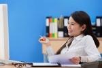 Làm văn phòng lương không đủ sống, có nên nghỉ việc chạy Grab?