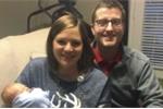 Chuyện lạ: Cả gia đình sinh chung một ngày