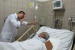 Hà Nội: Súc miệng bằng cồn bị ngộ độc suýt chết