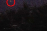 Bí ẩn 'quả cầu lửa của người ngoài hành tinh' bay lơ lửng giữa cơn giông bão