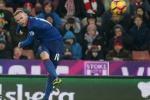 Rooney đi vào sử sách, Man Utd cầm hoà Stoke City