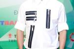 Hinh anh Hau scandal, Dam Vinh Hung du tranh mat nhung van san sang cong Phuong Thanh 6