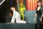 Hương Giang Idol suýt bị cưa đôi người trên sân khấu
