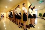Hé lộ bên trong phòng thi tuyển tiếp viên hàng không