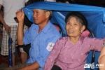 "Hinh anh Dang xu ly them nhanh ...Nghe sy Quang Teo ""doi mua"" dien kich tai 'Hat cung chien sy canh sat'"