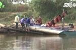 Video: Giao thông tê liệt vì đóng cống ngăn nước mặn ở Cà Mau
