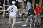 Hooligan Nga tiếp tục thể hiện sự hung dữ, tấn công CĐV Anh và xứ Wales