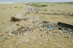 Bờ biển Quảng Nam tràn ngập rác thải dài 7km