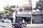 Truy tìm nam thanh niên 'làm xiếc' trên xe máy, phóng như bay trên phố Đà Nẵng