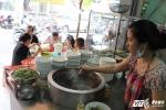 Quán phở ở TP.HCM nườm nượp khách sau khi Thủ tướng ghé ăn