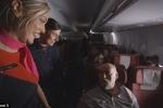 Lần đầu hé lộ những bí mật của tiếp viên trên chuyến bay gần 24 tiếng không mấy ai biết