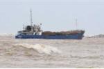 Đua nhau hôi của tàu chở 3.000 tấn gạo mắc cạn