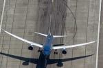 Video: Ngoạn mục cảnh máy bay Vietnam Airlines cất cánh dựng đứng