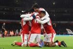 Giroud ghi siêu phẩm, Arsenal vươn lên vị trí thứ ba
