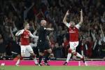 Thắng nghẹt thở, Arsenal tạm dẫn đầu Ngoại hạng Anh