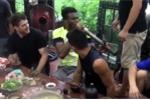 Video: Đệ tử Pierre Francois Flores hút thuốc lào, ho sặc sụa