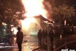 Video: Quán karaoke cháy dữ dội trong đêm, 6 phòng hát bị thiêu rụi