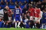 Trọng tài kiên quyết đuổi Herrera, Mourinho mỉa mai cười