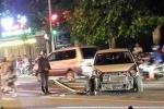 Ô tô của Phó ban dân tộc tỉnh Đồng Nai tông hàng loạt xe dừng đèn đỏ