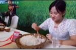 Người mẫu Trung Quốc ăn một lúc 4 kg cơm trắng