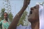 Cụ bà Ấn Độ tiết lộ sống khỏe nhờ... ăn cả cân cát mỗi ngày