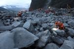 Trung Quốc chạy đua tìm 120 người mất tích sau lở đất