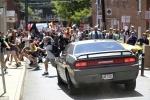 Máy bay rơi, xe lao vào đám đông tại thành phố bạo loạn ở Mỹ