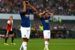 Man United thua trận, cộng đồng mạng ví Mourinho như Van Gaal