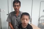 Xót xa cậu bé 13 tuổi mắc bệnh hiếm gặp chưa một ngày được đến trường