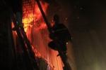 Nhà 4 tầng cháy ngùn ngụt trong đêm ở Hà Nội, 2 mẹ con chết thương tâm