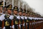 Báo Anh: Lo ngại Mỹ tấn công Triều Tiên, Trung Quốc đưa 150.000 quân đến biên giới