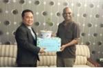 Bỏ ghế hiệu trưởng danh giá, tiến sĩ trẻ đưa cây 'vàng xanh' về Việt Nam