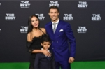 Ronaldo lại có con nhờ mang thai hộ?