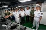 Tổng thống Philippines khen chiến hạm Trung Quốc 'như khách sạn'