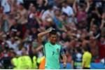 Ronaldo hai phen uất hận với Nani