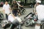 Dàn cảnh va chạm giao thông với phụ nữ để cướp xe