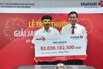 3 người trúng giải Vietlott gần 127 tỷ đồng đã tới lĩnh tiền