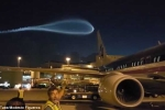 Vệt sáng kỳ lạ xuất hiện trên bầu trời sân bay Mỹ