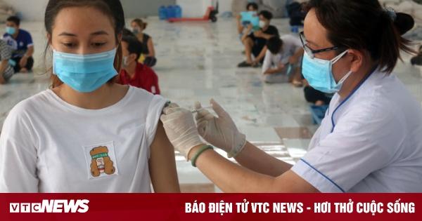CDC Hà Nội: 'Kế hoạch tiêm cho trẻ em phải chờ khi vaccine COVID-19 về'