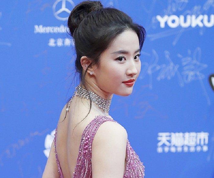 Vi sao Ly Lien Kiet chap nhan dong vai phu ben Luu Diec Phi? hinh anh 3