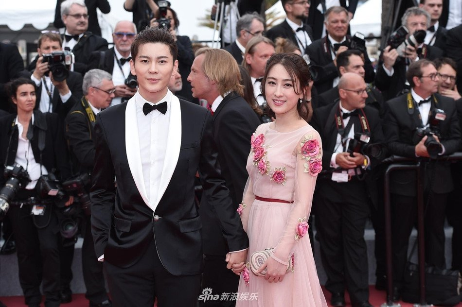 Sao nu mac phan cam, dong gia Pham Bang Bang nao loan tham do Cannes hinh anh 5